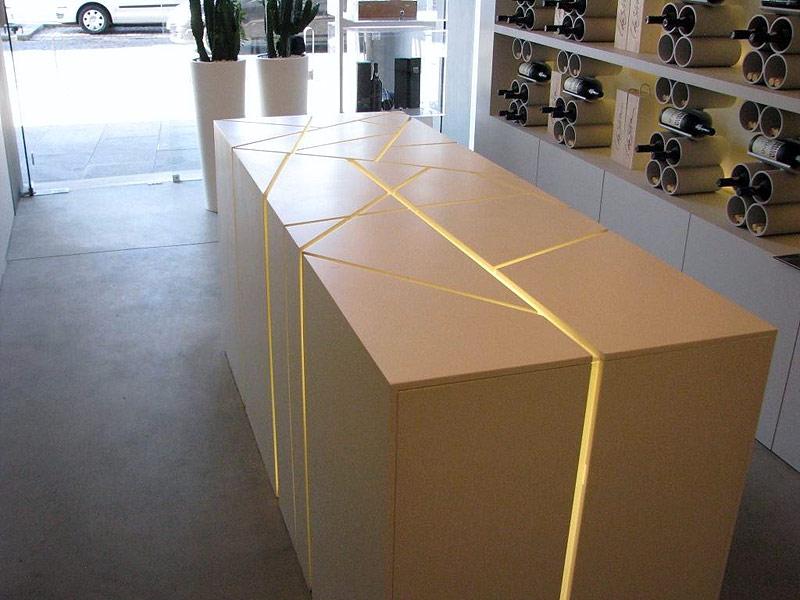 Mostradores para comercios en madrid mobiliario oficinas for Mostradores para oficina